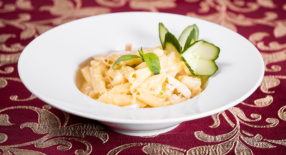 242. CREAMY PASTA WITH CHICKEN AND PINEAPPLE