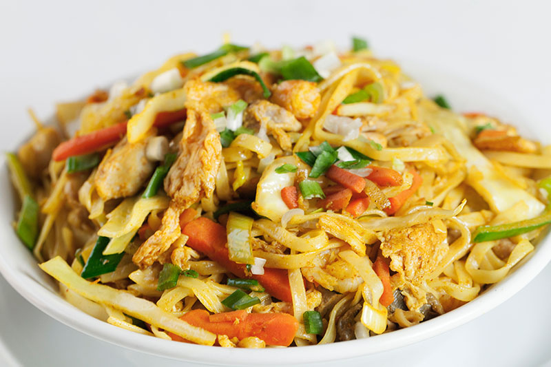 Singapore Rice Noodles with Mixed Meat